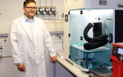 Bayreuther Chemiker entwickeln neues Material zur CO₂-Abtrennung aus Industrieabgasen, Erdgas oder Biogas