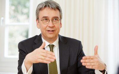 """Interview: """"Wettbewerbsschutz bedeutet, dass wir mit den Veränderungen der Wirtschaft Schritt halten müssen."""""""