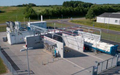 Pionierprojekt HyBalance zeigt, wie durch Elektrolysewasserstoff Schwankungen im Stromnetz ausgeglichen werden