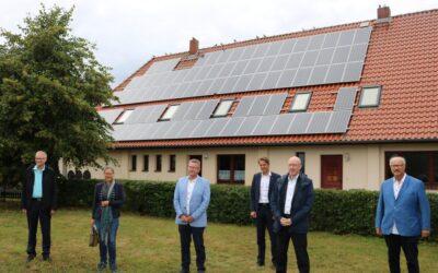 Energiepolitiker besuchen Wasserstoffprojekt im Energiedorf Lübesse bei Schwerin