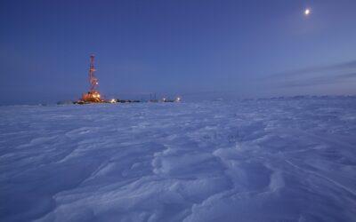 Faszination Energie: Bohrturm auf dem Gasfeld in Nowy Urengoi in Sibirien